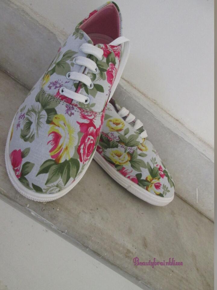 Floral shoes 899