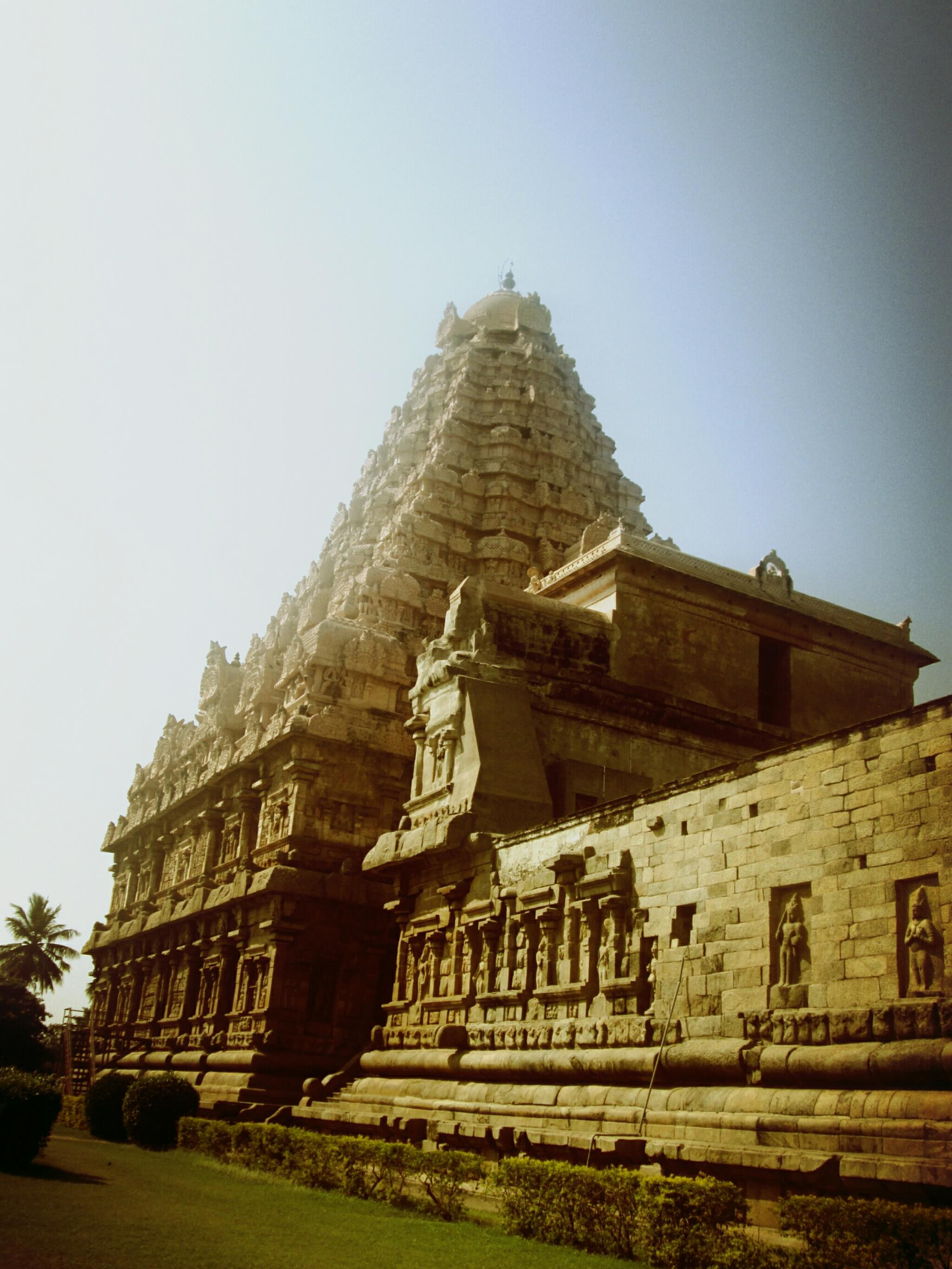 Gangaikonda cholapuram: Photo essaay on an ancient and amazing temple.